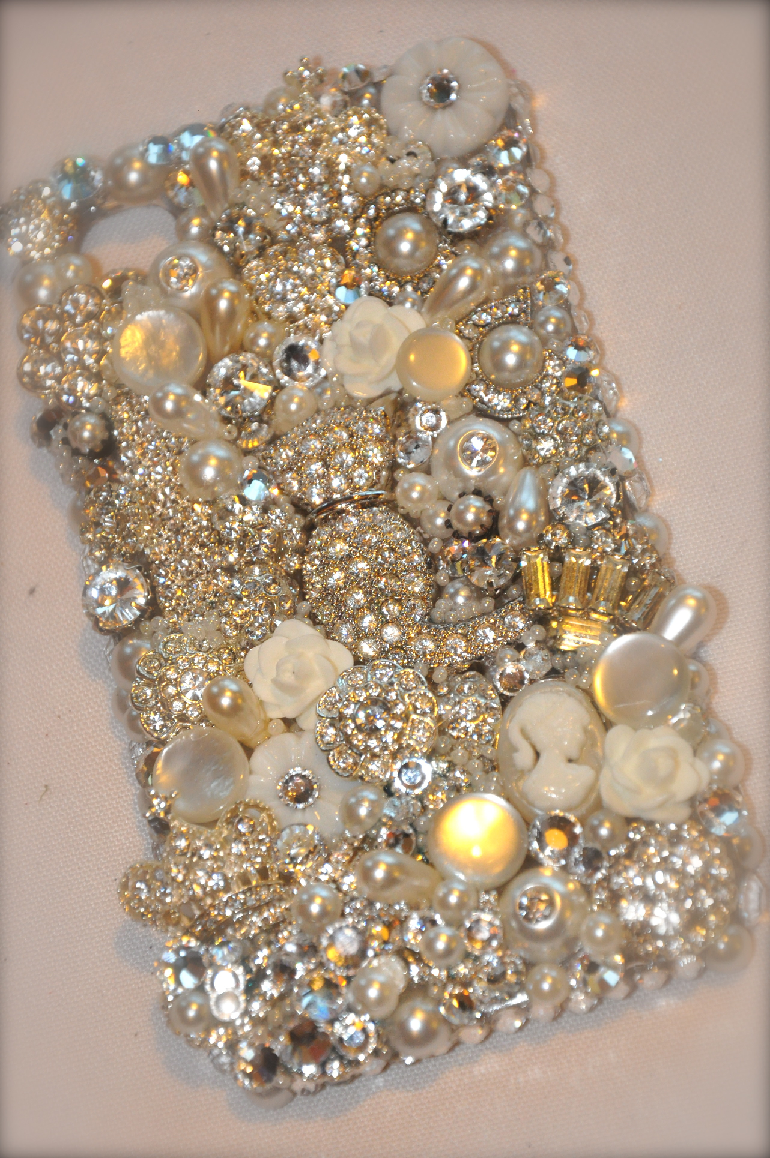 Luxury Gold Rhinestones and Pearls Jewelled Mobile Back Case