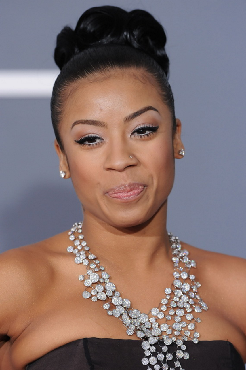 Amazing Hollywood celeb bling Cole Wearing An Elegant Diamond Necklace with Matching Stud Earring