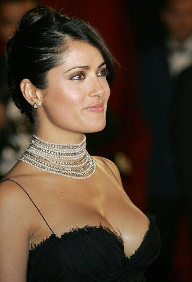 Amazing Hollywood celeb bling Salma Hayek Wearing A Diamond Choker with Matching Diamond Studd Earring