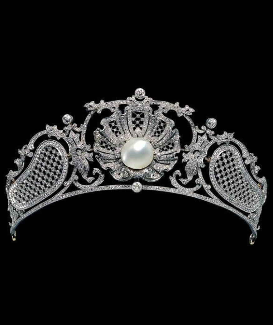 Best Tiara Bling Online: An Exquisite Belle Époque Tiara in Platinum, Diamond and Pearl